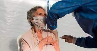 Vacunación COVID-19 para personas mayores en Residencias de Larga Estadía